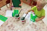 ATELIÉR-střídejte zelené pruhy(temperové barvy)