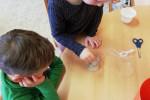 Pokusy a objevy-připravujeme roztok pro krystaly(odsávání vody)